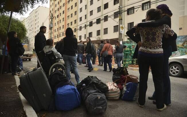 Defesa Civil municipal visitou prédios e descartou risco de desabamento; 59 famílias deixaram imóveis