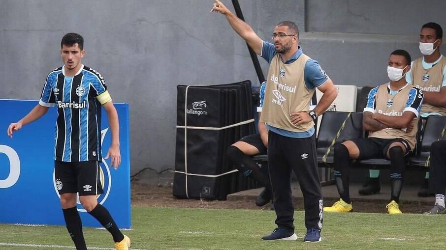 César Lopes é técnico da equipe sub-20 do Grêmio