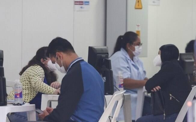 SP antecipa vacinação de profissionais da educação de 18 a 46 anos