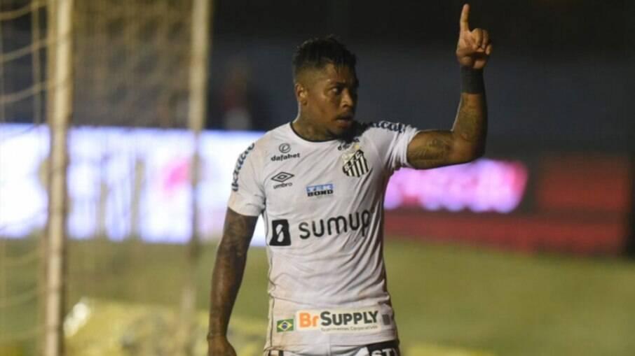Marinho manifestou o desejo de deixar o Santos