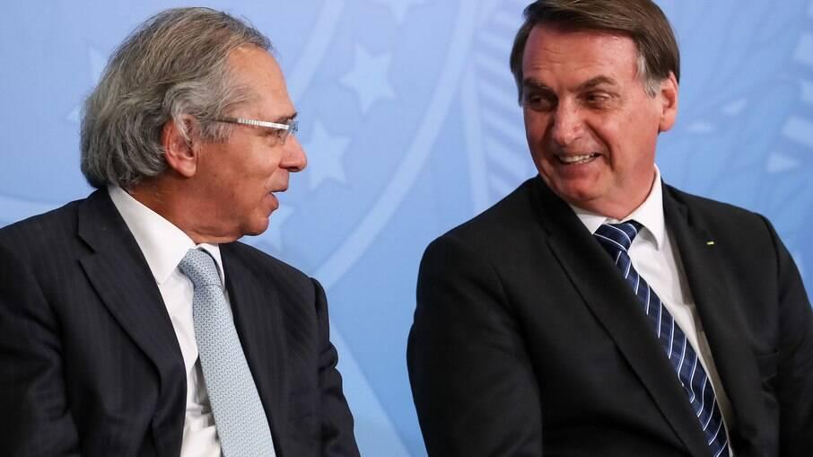 Guedes alertou Bolsonaro sobre possibilidade de impeachment, mas afirmação é rebatida por congressistas