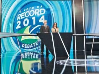 Tensão. A discussão sobre a Petrobras foi um dos momentos mais nervosos no debate promovido pela Rede Record na noite deste domingo (19)