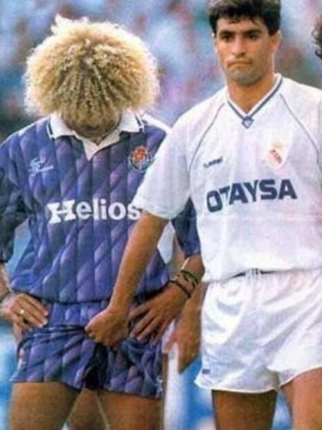 Valderrama é apalpado por Michel durante partida do Campeonato Espanhol