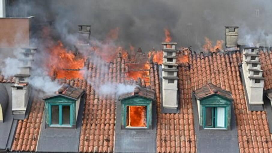 Incêndio de prédio em Turim