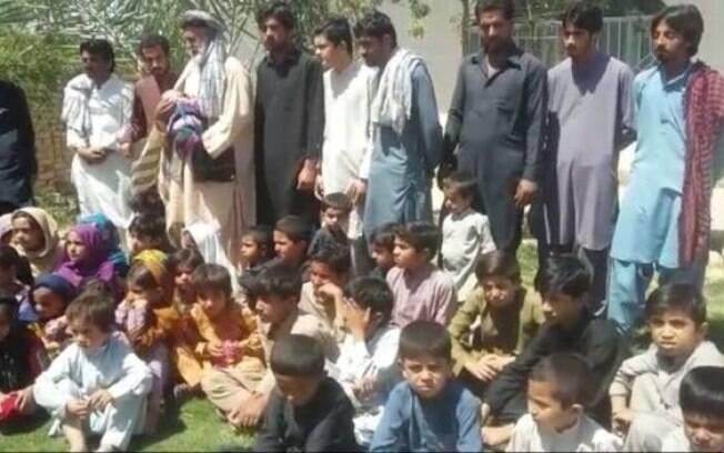Os filhos que sobreviveram são 22 homens e 20 mulheres, com a maioria das crianças abaixo dos dez anos de idade