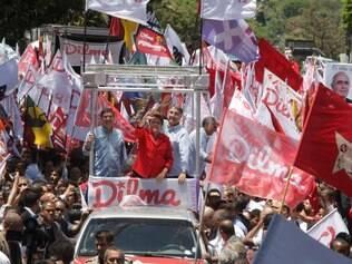 POLITICA - BELO HORIZONTE - MG. PRESIDENTE DILMA ROUSEFF FAZ VISITA EM BH AO LADO DE FERNANDO PIMENTEL E JOSUE ALENCAR . FOTO: MOISES SILVA / O TEMPO 04-10-2014