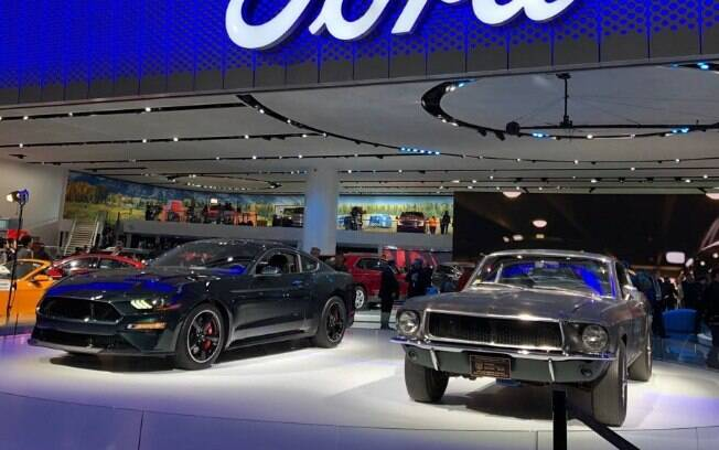 As duas gerações do Ford Mustang Bullitt lado a lado no Salão de Detroit, foi o que mais chamou atenção no evento