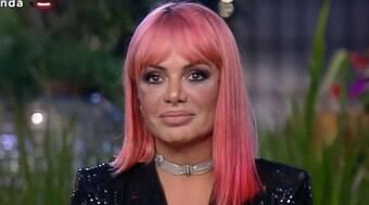Valentina revela romance com membro do CPM 22 após indireta