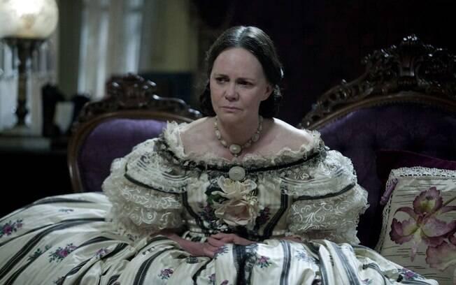 """Sally Field em """"Lincoln"""", filme que fez a atriz voltar a ser indicada ao Oscar e ao Globo de Ouro em 2013"""