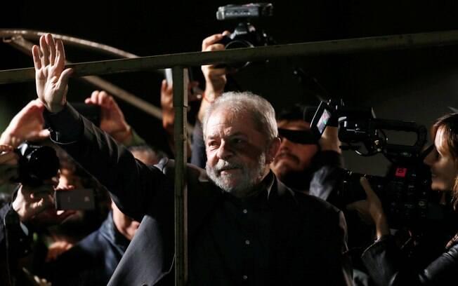 Três meses depois de condução coercitiva, Lula volta a viver sob ameaça da prisão pela Lava Jato