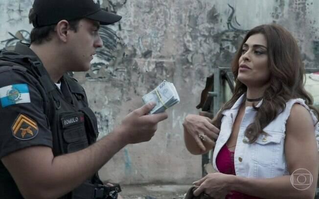 Bibi é parada por policiais