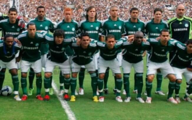 O Palmeiras foi a grande decepção do Brasileirão de 2009. Líder da competição por muito tempo, o Verdão sequer ficou no G-4