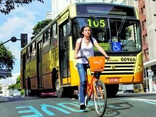 Bom.Em alguns trechos, eles ainda dividem espaço com carros e ônibus, mas ciclistas aprovam projeto