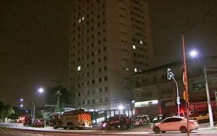 Mãe joga filha de 5º andar, põe fogo em apartamento e se atira pela janela em SP