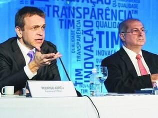 Sem conversa. Presidente da TIM, Rodrigo Abreu (esq.), diz que não há qualquer tipo de negociação