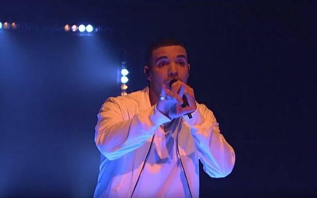 Drake lançou nesse domingo (23) quatro músicas e anunciou novo projeto; rapper completa 30 anos nesta segunda (24)