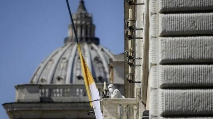 O Vaticano começou sua campanha de vacinação contra o coronavírus nesta quarta-feira (13)