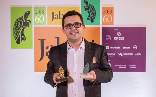 Cauã Reymond, Prêmio Jabuti e os famosos são destaque na Coluna Bastidores