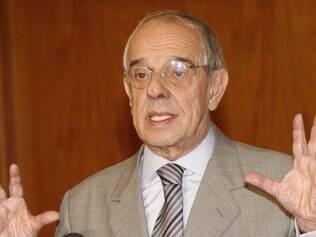POLITICA - Marcio Thomaz Bastos , então ministro da Justica , na Base Aerea de Brasilia . FOTO: Jose Cruz/ABr - sem data