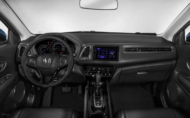 No interior do Honda HR-V 2019 a principal mudança fica por conta da nova central multimídia da versão topo de linha