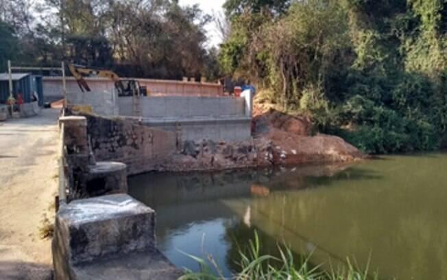Vigas da nova ponte do Rio Atibaia serão içadas neste sábado