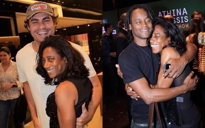 Gloria Maria era só abraços com o ator Thiago Lacerda e com o músico Toni Garrido