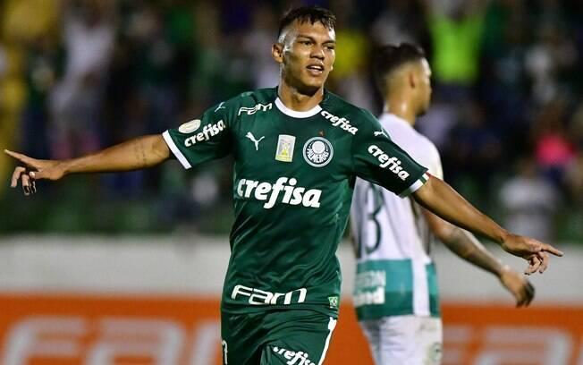 Gabriel Veron marcou seus primeiros gols com a camisa do Palmeiras