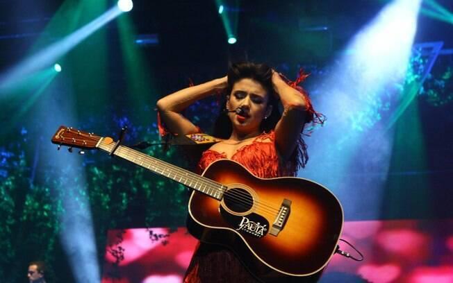 Paula Fernandes numa apresentação no Rio de Janeiro