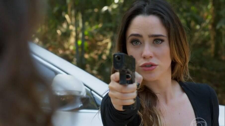 Camila arrisca a própria vida para salvar Giovanni