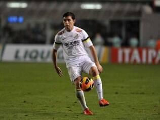 Chileno quer continuar no clube da Vila Belmiro