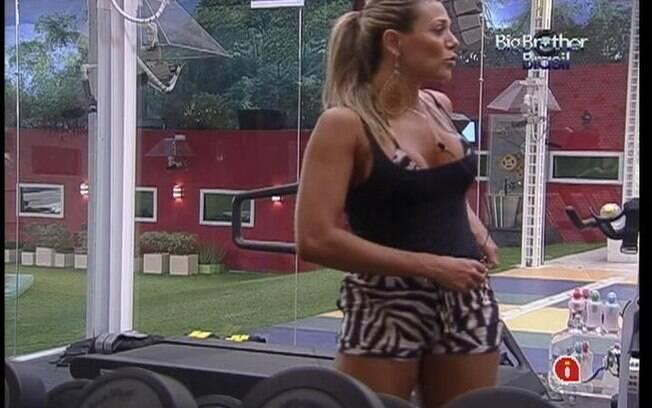 Fabiana brinca com João Carvalho