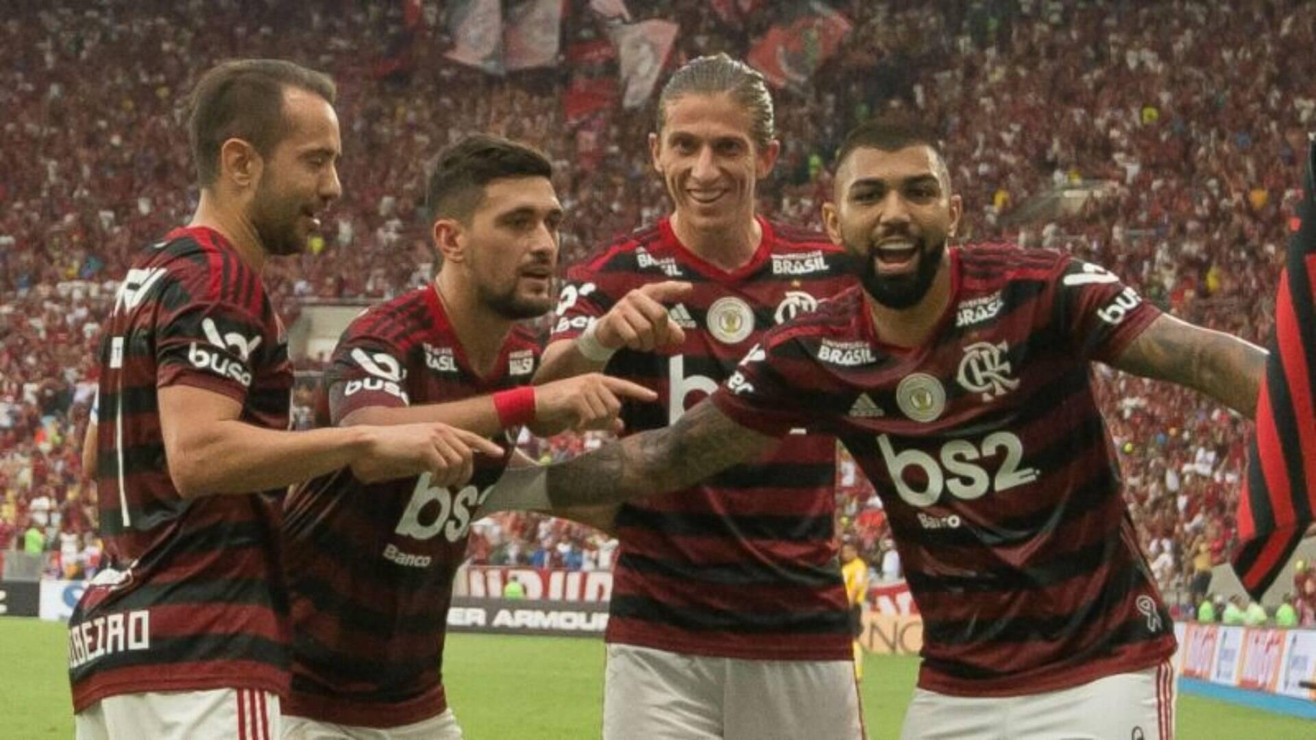 Problema No Joelho Pode Atrapalhar Titular Do Flamengo No