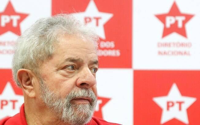 Laudo da PF, anexado aos inquéritos que investigam Lula, analisou documentos sobre um imóvel