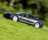 Aceleramos o novo Porsche Panamera 4S na pista. Veja detalhes