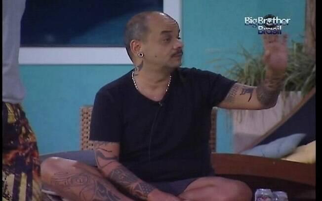Mineiro tenta interromper sermão de Fael, mas ele não gosta