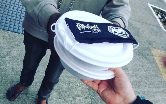 O projeto Solidariedade Vegan distribui marmitas pela cidade de São Paulo