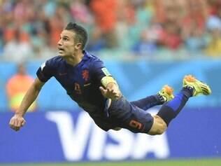 Robin Van Persie marcou o primeiro gol holandês na goleada de 5 a 1 em cima da Espanha