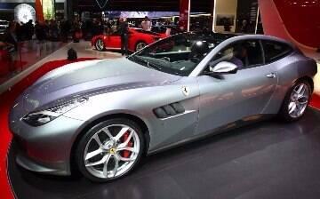 Ferrari GTC4 Lusso ganha motor V8 turbo de 610 cv