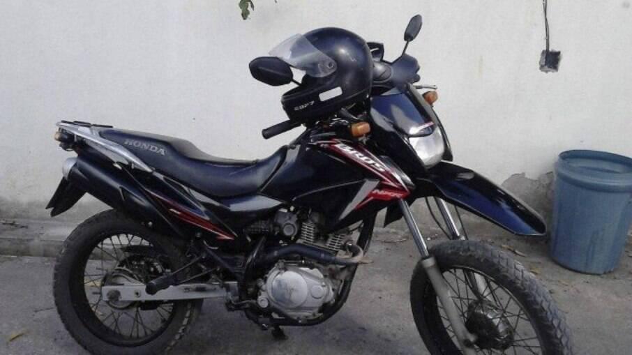 Segundo assalto ocorreu quando ele tentava recuperar a primeira motocicleta em uma comunidade