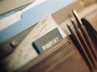Verifique a obrigatoriedade de apresentar alguns documentos antes de viajar