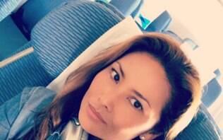 Mulher curte voo sozinha e compartilha experiência nas redes sociais