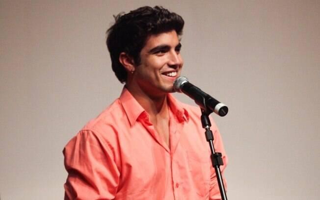 Caio Castro está empolgado com Antenor, seu personagem na novela
