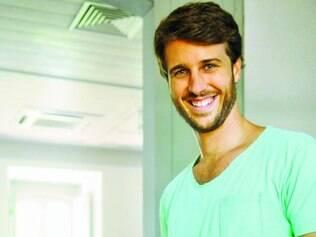 """Trabalho. Miguel afirma que atuação na série """"Copa Hotel"""" foi um divisor de águas na sua trajetória profissional"""