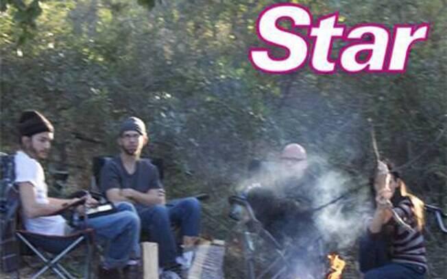 Demi Moore, Ashton Kutcher e amigos em torno de uma fogueira em feirado judáico