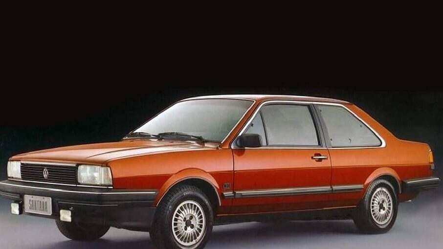 VW Santana foi lançado no Brasil em 1984 nas versões CS, CG e a topo de linha CD (foto).