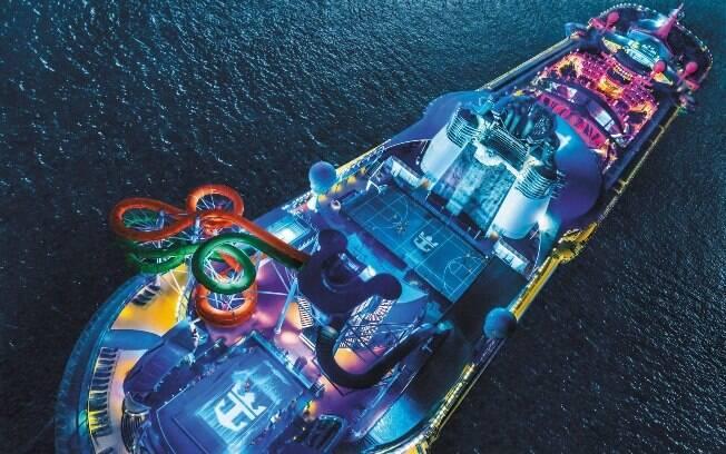 Os cruzeiros da Royal Caribbean conta com muitas atrações para atender viajantes de todos os estilos e idades
