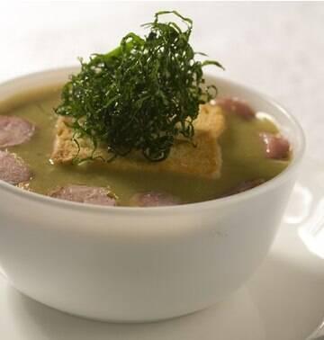Veja 6 sopas e caldos que ajudam a manter a dieta e aquecer seu inverno