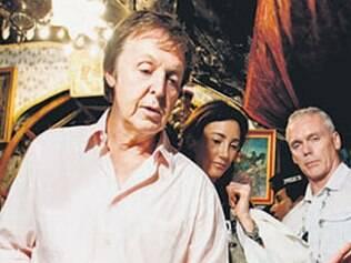 Em vídeo, Paul McCartney afirma que está bem de saúde