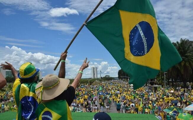 Segundo pesquisa, os brasileiros condicionam o progresso à redução de desigualdades
