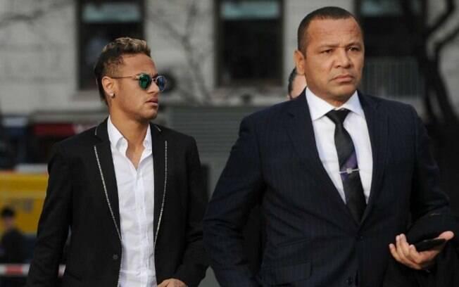 Pai de Neymar acusava a defesa de Najila de extorsão